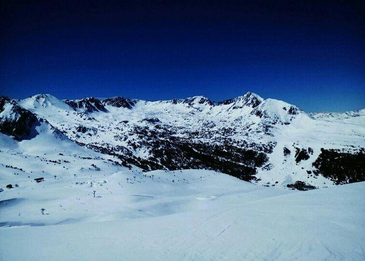 Snowboard at Pas de la Casa with the best views