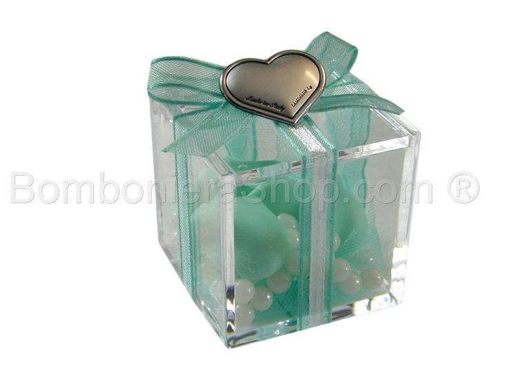 Scatolina cubo plexiglass con cuore in argento