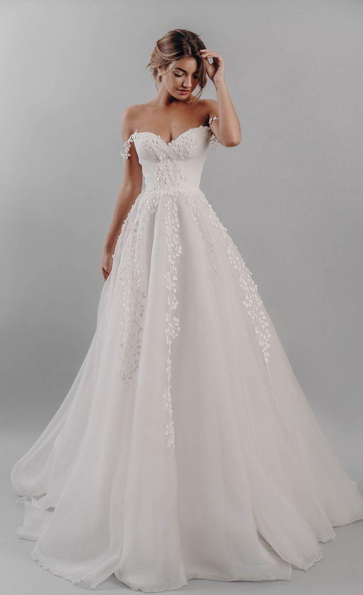b9dcef81d82e ... 2019 New Collection - Stephanie Allin. Romantic fairytale princess  wedding dresses #weddingdresses #princessweddingdress
