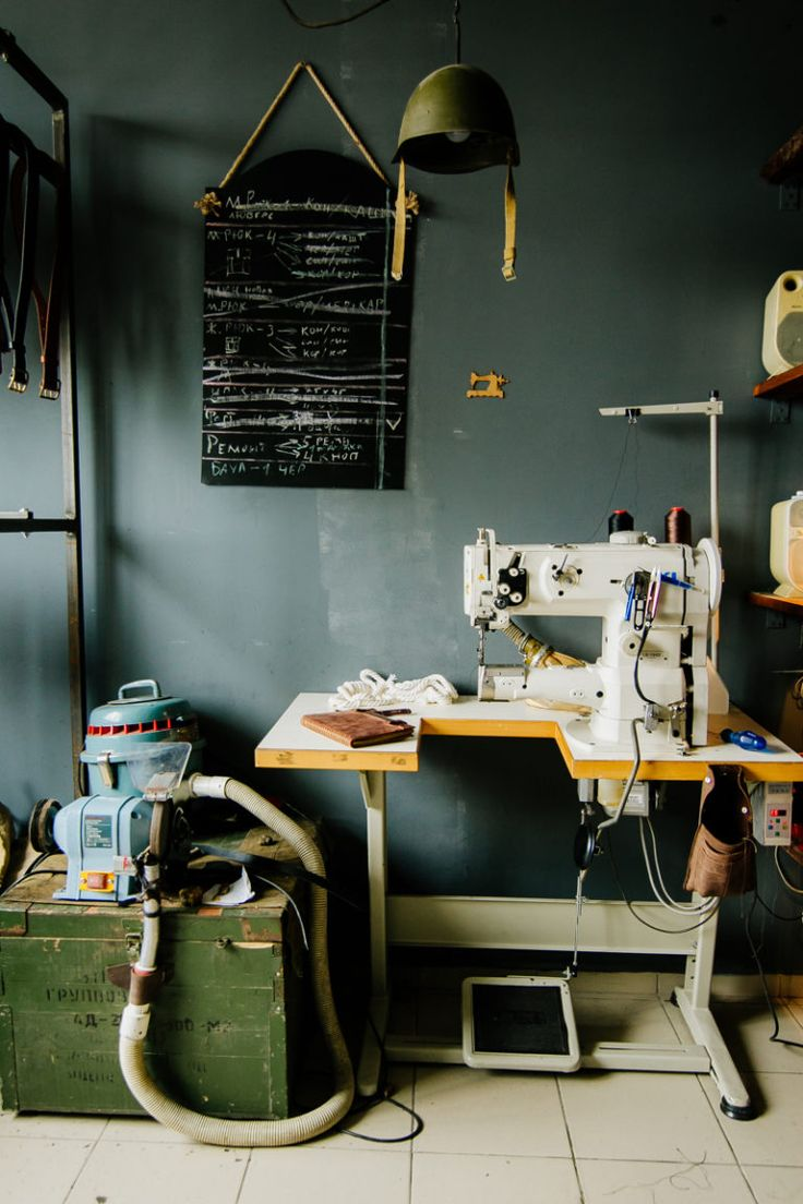 fs_kruk-garage_sewing-station_800x1200