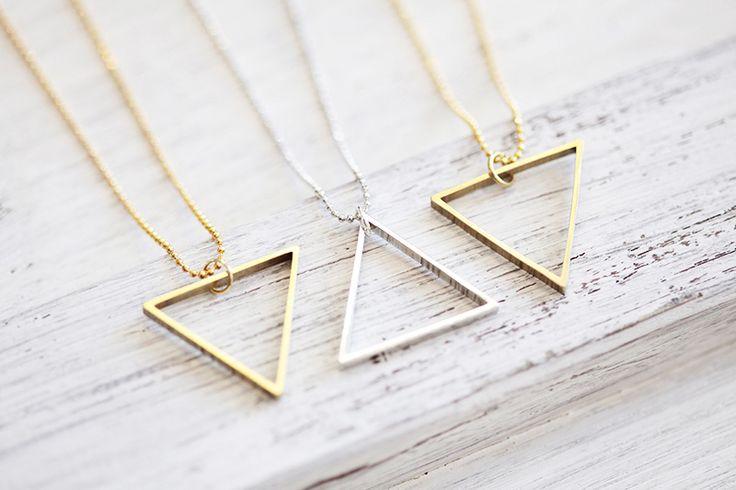 """Długi łańcuch """"Hoek"""" Trójkąt - złoto mosiądz w ♠pikfine // all selfmade stuff na DaWanda.com"""