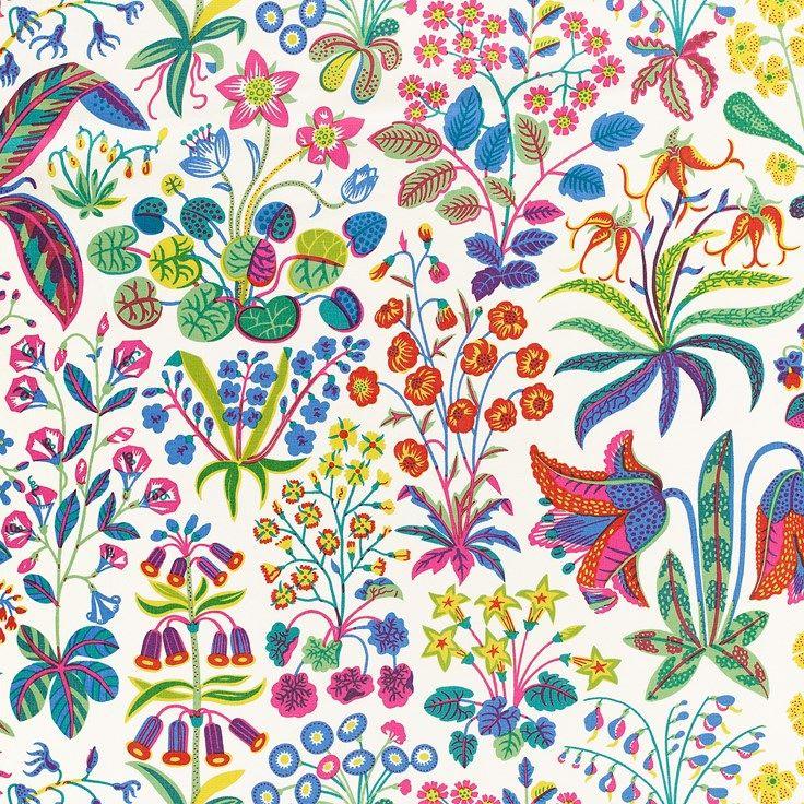 Det prunkande mönstret Under Ekvatorn är ett av Josef Franks mer färgstarka mönster. Under ekvatorn formgavs av Josef Frank i september år 1941. - Tygprov Under Ekvatorn, Lin 315, Under Ekvatorn, Vit, Josef Frank
