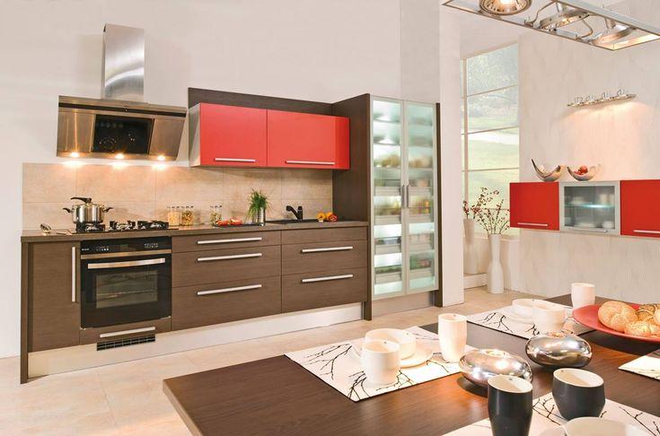 Kuchyně Nora | SIKO KUCHYNĚ Vůně klasiky. Praktická kuchyně v klasickém designu, s velkým množstvím praktických úložných prostor.