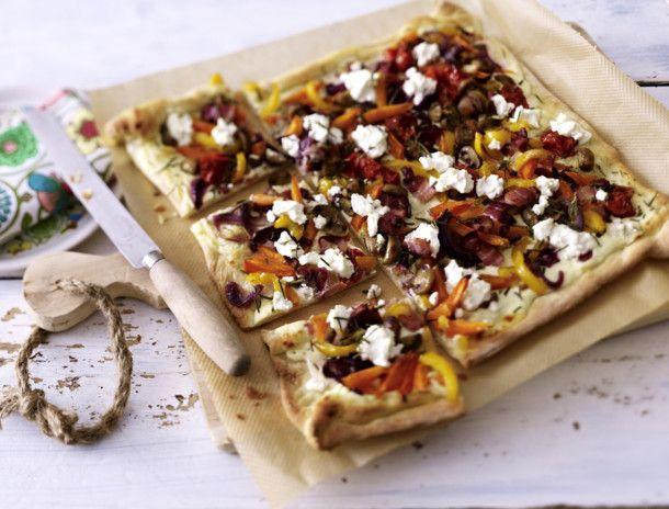 Unser beliebtes Rezept für Flammkuchen mit geröstetem Gemüse und mehr als 55.000 weitere kostenlose Rezepte auf LECKER.de.