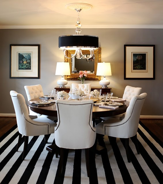 .: Dining Rooms, Idea, Chairs, Black And White, Black White, Stripes Rugs, Colors Schemes, Round Tables, Dining Tables