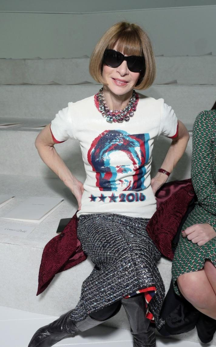 Anna Wintour makes a political statement in Hillary Clinton t-shirt at Marc Jacobs show