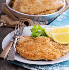 Το σνίτσελ δημοφιλές πιάτο της βιεννέζικης κουζίνας. Φτιάχνετε μοσχαρίσιο κρέας και παραδοσιακά σερβίρετε με μια φέτα λεμονιού και πατατοσαλάτα. Ο όρος βιενέζικο σνίτσελ πρωτοεμφανίστηκε τον 19ο αιώνα με πρώτη αναφορά σε βιβλίο μαγειρικής το 1831