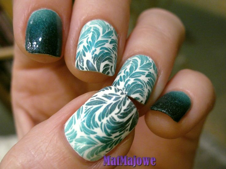Last week Ombre (which is actually gradient) Gradient and gradient stamping with green holos http://matmajowe.blogspot.com/2015/02/nsc7-ombre-neh-gradient.html