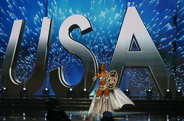 Miss America Pageant Brings Back Chris Harrison & Sage Steele To Host 2018 Edition