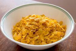 Uit de keuken van Levine: Kip met een korstje van cornflakes en Parmezaanse kaas