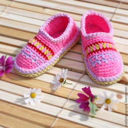 Обувь ручной работы. Ярмарка Мастеров - ручная работа. Купить Тапочки для дочки. Handmade. Розовый, тапочки вязаные, тапочки на подошве