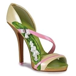 Breast cancer awareness in the cutest of shoes..double win!