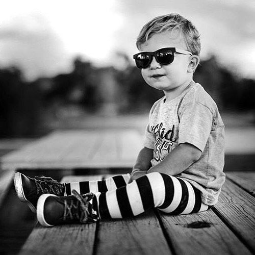 Trendy clothes for kids, hipster toddler style, gender neutral baby, gender neutral leggings for kids // #taylinthreads https://presentbaby.com