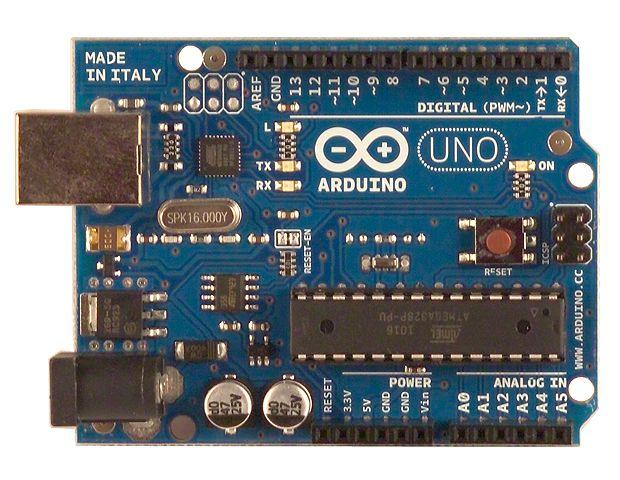 O Arduino é uma placa que permite a automação de projetos eletrônicos e robóticos por profissionais e amadores (Foto: Reprodução/Internet)