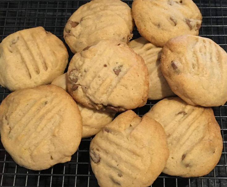 Recipe Better than Subway Choc Chip cookies by Cassie the Consultant - Recipe of category Baking - sweet