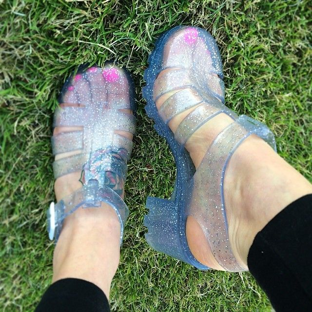 Best 25 Jelly Shoes Outfit Ideas On Pinterest Jelly