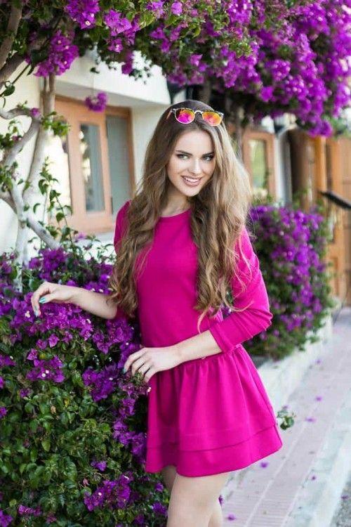 """Rochie clos fuchsia Comfort:croiala lejera face rochia potrivita pentru o tinuta sport sau casual, iar mâneca lungă este un """"prieten de nădejde"""" în zilele răcoroase."""