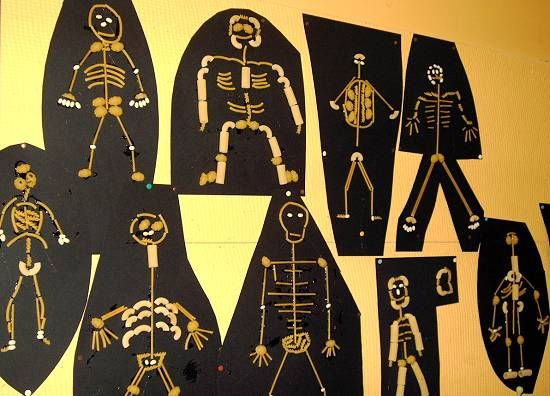 halloween pasta skeleton