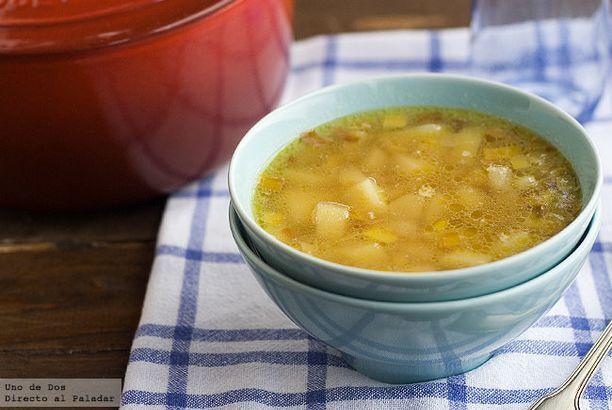 Como Hacer Sopa De Puerro Y Patata Receta De Cuchara Facil Y Deliciosa Directo Al Paladar Sopa De Puerros Recetas De Sopa Recetas De Cocina