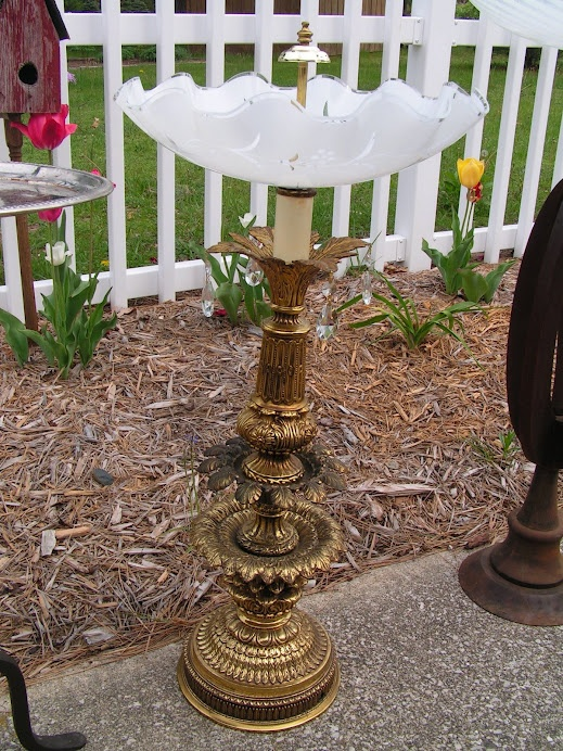 This is made from an old lamp base and a fancy scalloped ceiling fixture bowl. Whoever buys this will have their birds drinking and bathing in style and elegance!: Lights Fixtures, Lamps Birds, Birdbaths, Birds Feeders, Old Lamps, Birds Bath, Ceilings Fixtures, Bath Ideas, Lamps Based