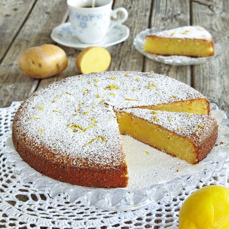 Saftig kaka med mandel och potatis.