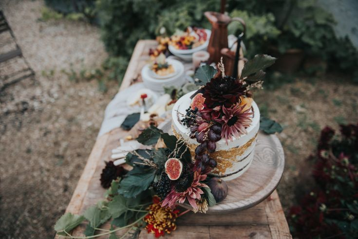 Wedding cake inspiration - River Cottage, UK | Wedding Photographer Birmingham | England | Rosie Kelly Photography