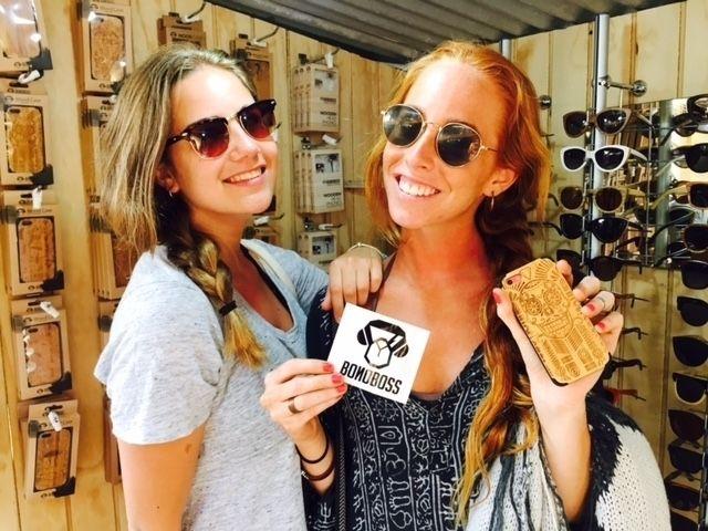 Felices nuestros clientes en nuestras tiendas, recuerda visitarnos en www.bonoboss.cl/retailers