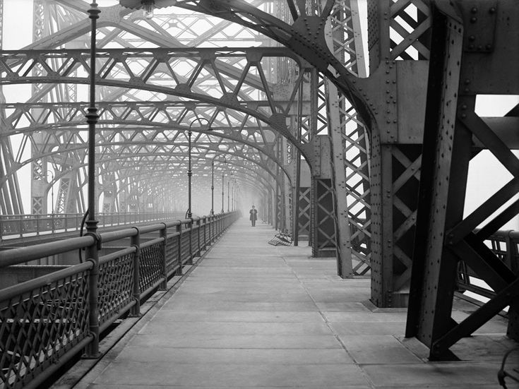 Queensboro Bridge, on February 9, 1910. (Eugene de Salignac/Courtesy NYC Municipal Archives)