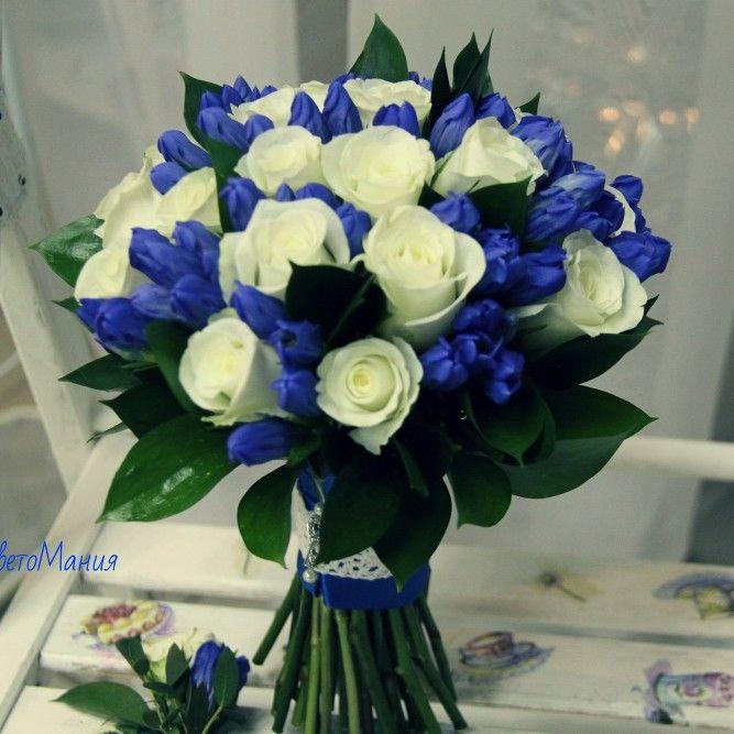 Свадебный букет невесты с синим
