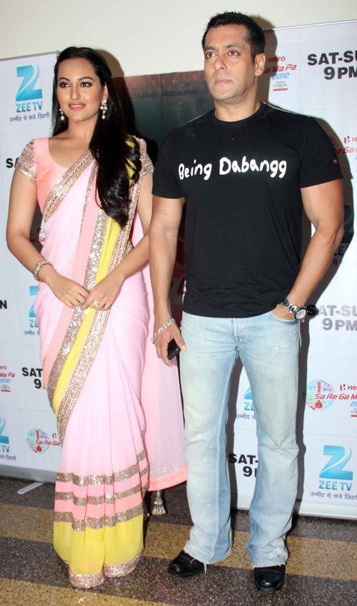Salman Khan, Sonakshi Sinha promote Dabangg 2 #Bollywood #Movies
