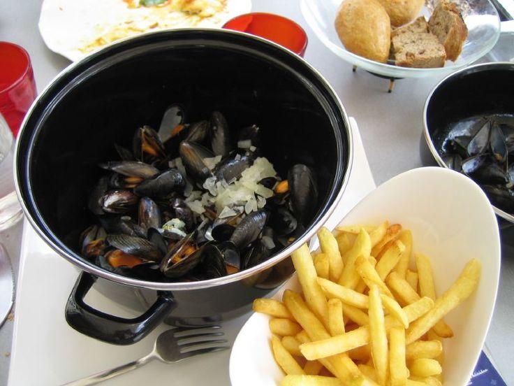 Moules Frites - European cuisine - Wikipedia