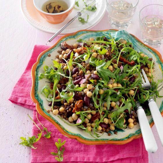 Salade van kikker-erwten, bruine linzen, kindneybonen en een balsamico dressing. #JumboSupermarkten #vega #recept