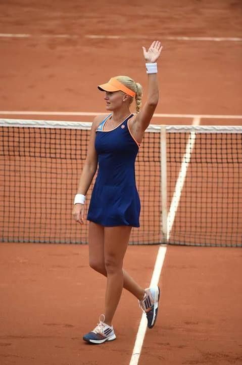 Kristina Mladenovic Defeats Li Na in Huge French Open Upset.  #WTA #Mladenovic #RolandGarros