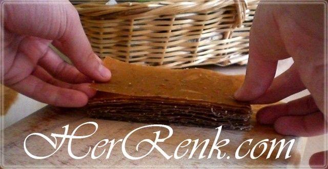 Evde Elma Pestili Nasıl Yapılır?-pestil yapımı, fruit pulp recipe, dried fruit pulp, evde nasıl yapabilirim, kış hazırlıkları, domates sos, biber salçası, erişte kesimi, elma pestili nasıl yapılır, elma pestili yapımı, elma pestili yapılışı, evde konserve yapımı, konserve yapılan sebze ve meyveler, pestil yapılan meyveler nelerdir, kuşburnu, çilek, elma, kayısı, şeftali, vişne, dut, üzüm, pestil çeşitleri,