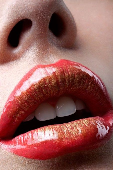 Beautiful glossy coral lips created by make up artist Stéphanie Vos