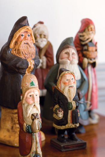 Santas. I collect these....in case anyones looking for a gift idea.... ;)