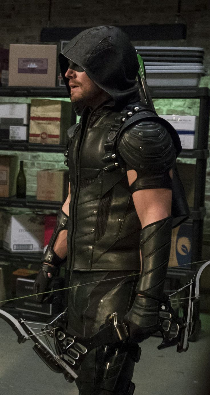 Arrow 4x02 - Green Arrow (Oliver Queen)