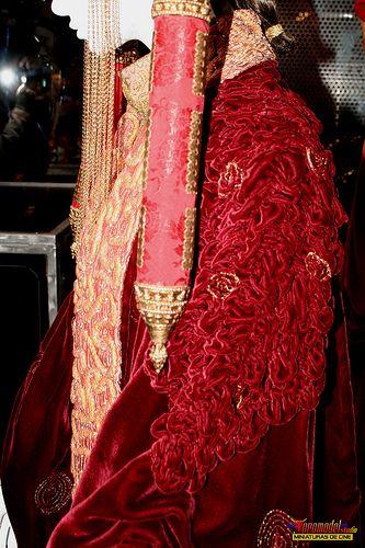 Star Wars In Concert - Madrid 2010 - Reina Amidala Traje para el Senado - Queen Amidala Senate Gown (2)   by Toromodel