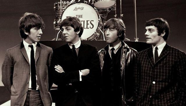 UN DIA EN LA VIDA DE LOS BEATLES: THE BEATLES - Los trece días del Beatle desconocid...