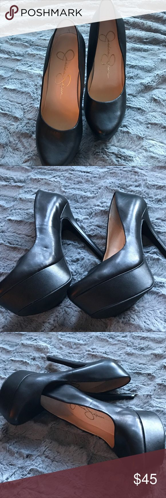 Jessica Simpson Beautiful Black pumps 5 inch heel leather. Very soft leather plate form shoes, 11/2 plate form Jessica Simpson Shoes