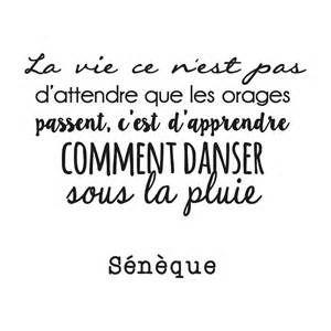 La vie ce n'est pas d'attendre que les orages passent, c'est d'apprendre comment danser sous la pluie. - Ecosia