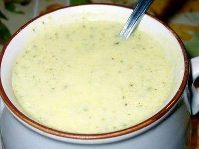 A közös konyha(kert): Cukkinikrémleves sajtos galuskával