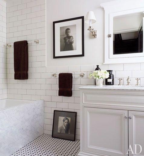 vintage looking bathroom, white subway tile, mosiac floors