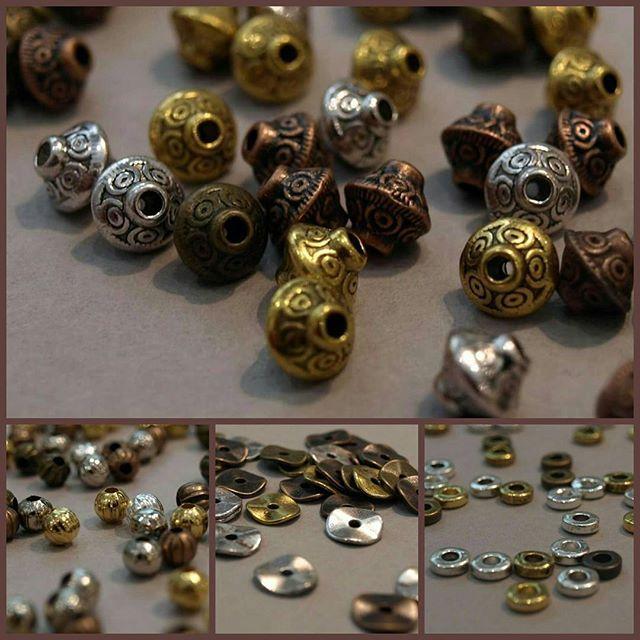 NOUVEAU - Des petites nouveautés sont arrivées du côté des perles en métal et espaceurs! Disponibles en 4 couleurs ;) #lecomptoiraperles #perles #metal #tibétaines #beads #beadsaddict #bijoux #bijouxdecreateurs #DIY #faitmain #handmadejewelry #handmade #creativity #créativité #doré #argenté #bronze #cuivre #jenfiledesperlesetjassume #perlezmoidamour