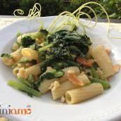 Pasta con i talli di zucchine - CuciniAmO
