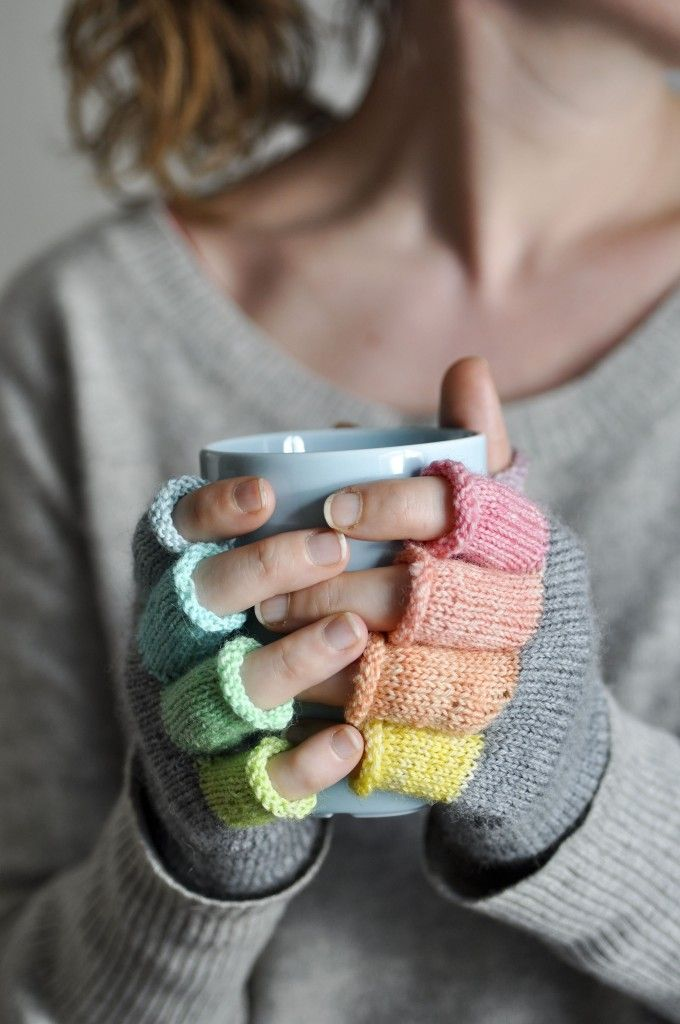 rainbow fingerless mitts.  free pattern.  with many helpful pics. in the loop.