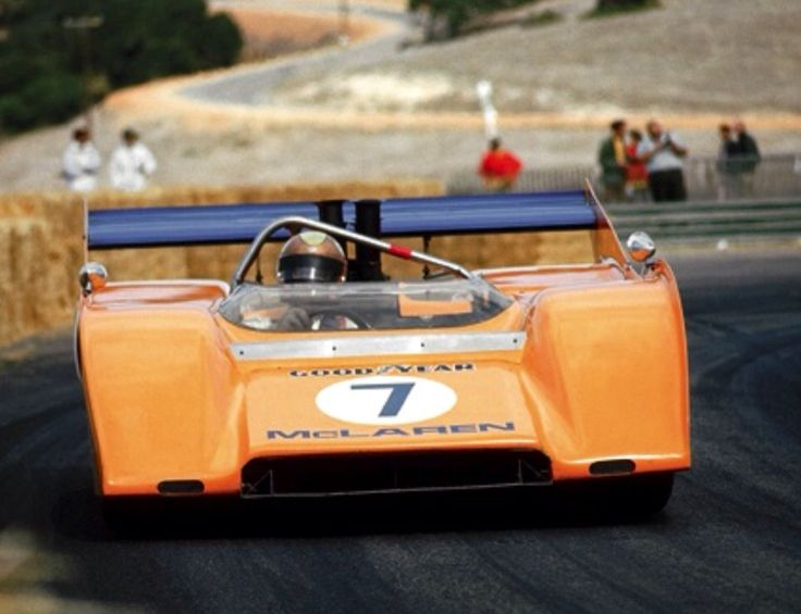 Peter Revson - McLaren M8F Chevrolet - McLaren Cars Ltd. - Monterey Castrol Grand Prix Laguna - Can-Am Laguna Seca - 1971 Canadian-American Challenge Cup, round 9 - © Pete Lyons
