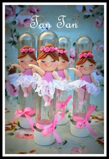 Bailarinas en envases.-