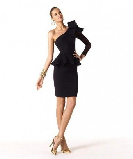 Vestido escote asimétrico negro fiesta noche pronovias