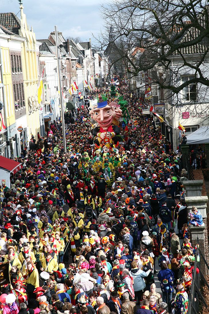 Carnavalsoptocht, Oeteldonk, Den Bosch, Noord-Brabant.